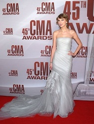 2011 CMA Awards – Hot Red Carpet Arrivals!