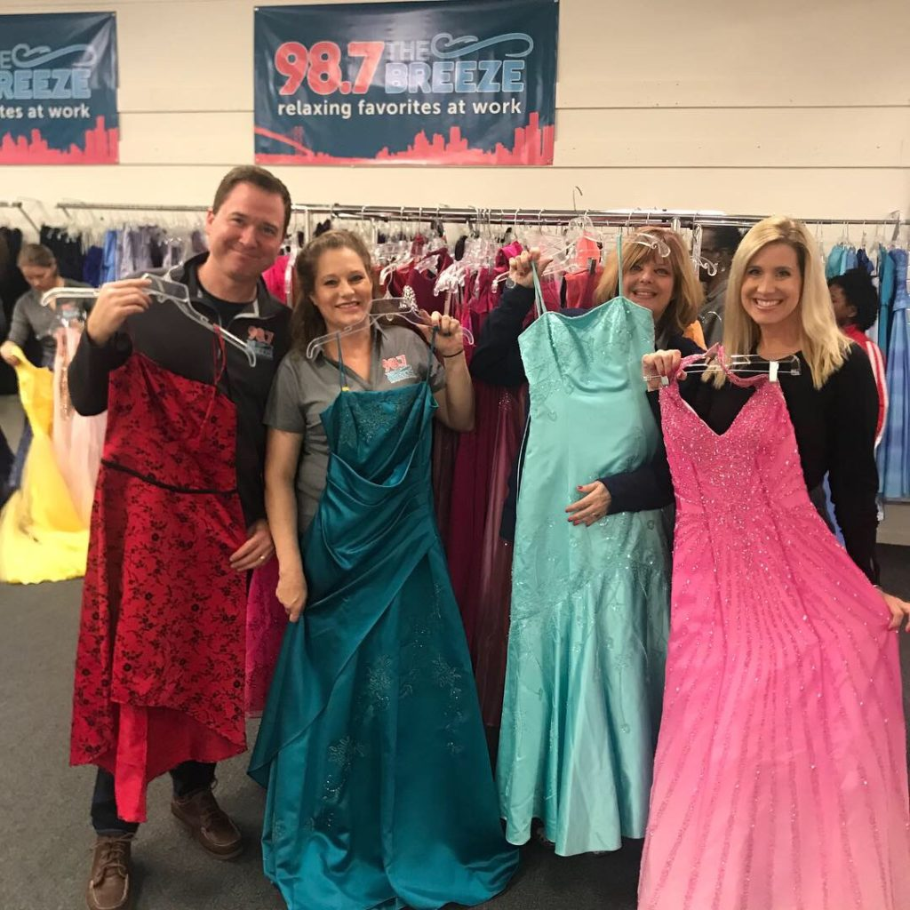 98.7 The Breeze offer free prom dresses