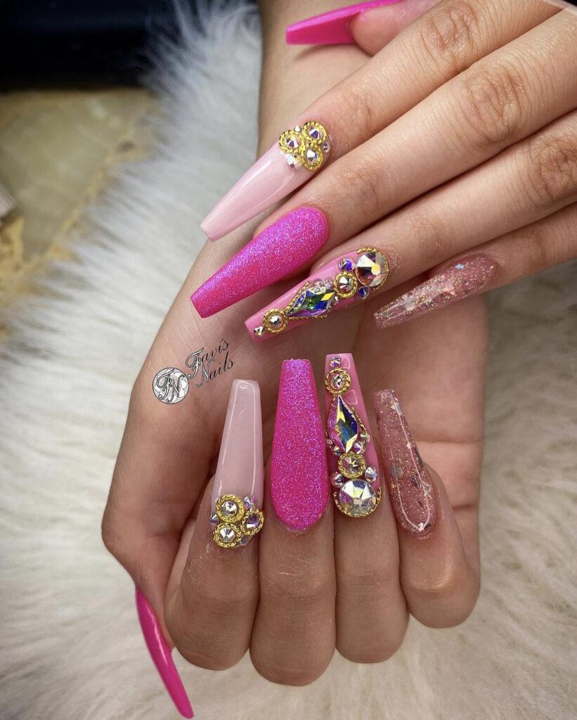 Favis Nails